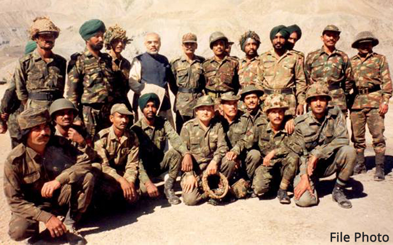 PM bows to valiant soldiers on Kargil Vijay Diwas