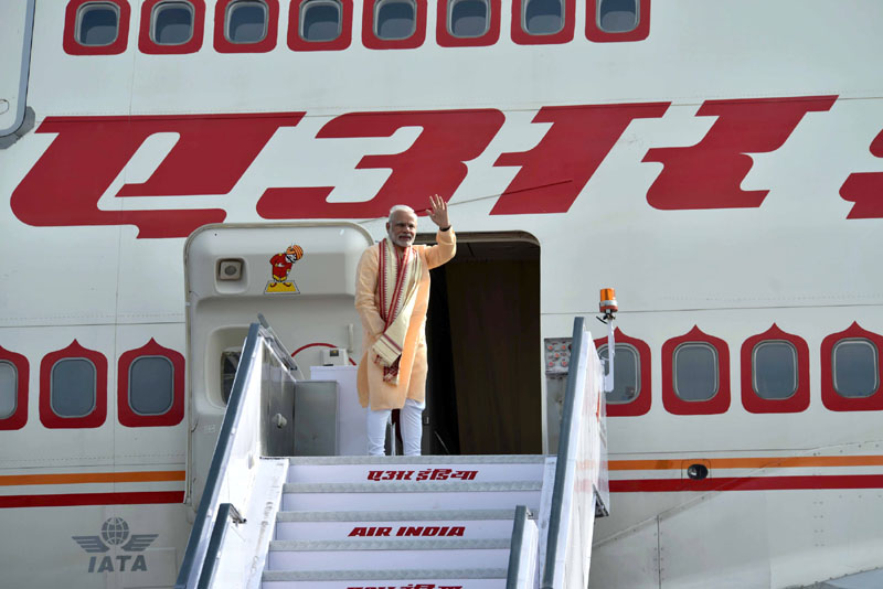 PM emplanes for his bilateral visit to Vietnam and G20 Summit in China (September 02, 2016)