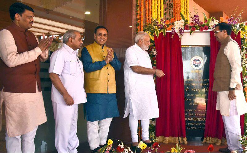 पंतप्रधानांच्या हस्ते गुजरात मधल्या बाजीपूरा इथे वैरण कारखान्याचे उद्घाटन, सिंचन आणि पाणीपुरवठा योजनांचे शुभारंभ