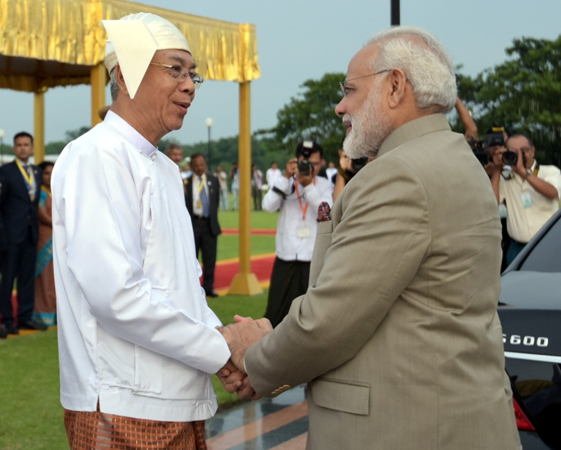 The Prime Minister, Shri Narendra Modi being welcomed by the President of Myanmar, Mr. U. Htin Kyaw, at the Ceremonial Reception, in Nay Pyi Taw, Myanmar on September 05, 2017.