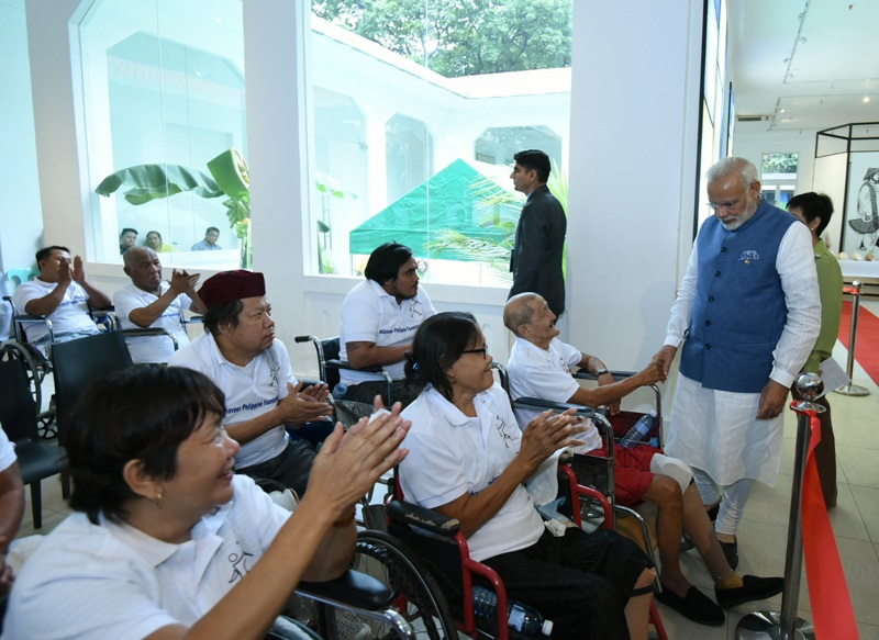 PM visits IRRI, Mahaveer Philippine Foundation