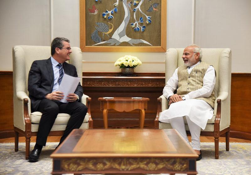 The DG, WTO, Mr. Roberto Azevedo calling on the Prime Minister, Shri Narendra Modi, in New Delhi on March 19, 2018.