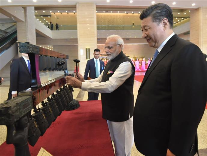 The Prime Minister, Shri Narendra Modi and the President of the People's Republic of China, Mr. Xi Jinping visit Exhibition at Hubei Provincial Museum, in Wuhan, China on April 27, 2018.