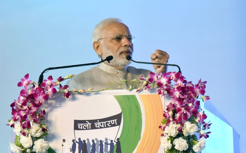 PM addresses National Convention of Swachhagrahis, launches development projects in Motihari