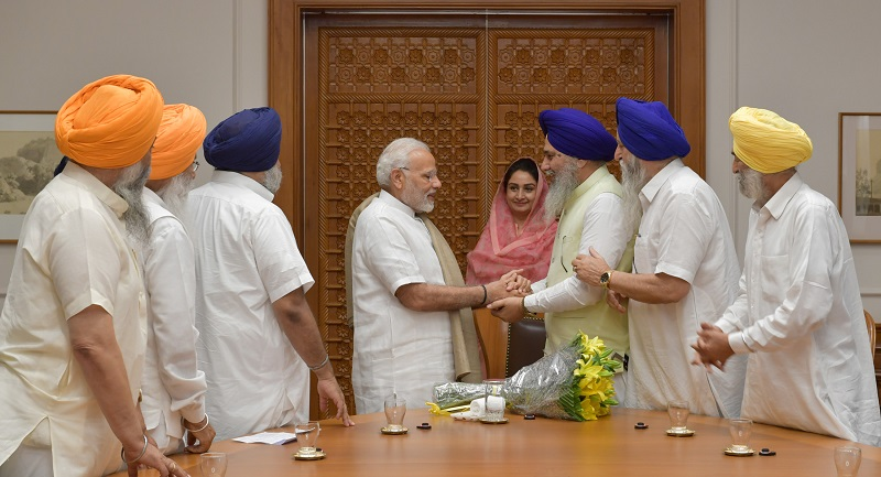 A Delegation of SGPC led by the Union Minister for Food Processing Industries, Smt. Harsimrat Kaur Badal calling on the Prime Minister, Shri Narendra Modi, in New Delhi on June 08, 2018.