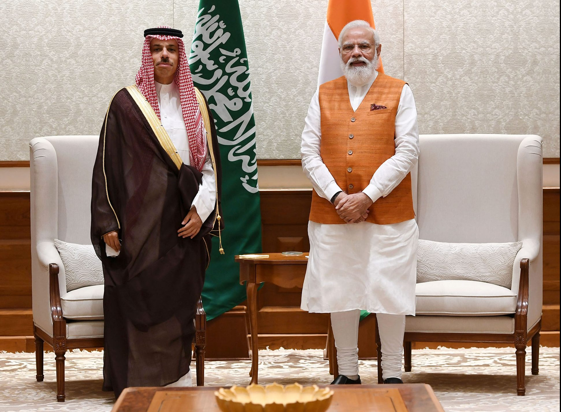 The Minister of Foreign Affairs of the Kingdom of Saudi Arabia calls on PM
